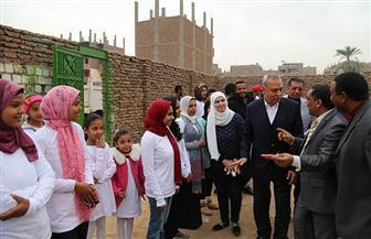 """محافظ قنا يطلق فعاليات مبادرة """"ازرع شجرة - ابني حياة"""" بمركز قوص"""