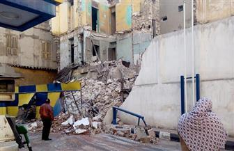 انهيار جزئي في منزل من 3 طوابق بسبب الأمطار في المحلة الكبرى
