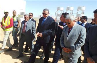 في جولته لليوم الثاني بأسوان.. وزير القوى العاملة يتفقد محطة الطاقة الشمسية بقرية بنبان| صور