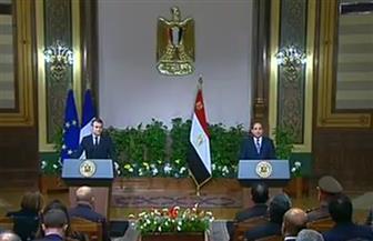 """الإعلاميون المصريون يوجهون أسئلة قوية لماكرون حول """"السترات الصفراء"""" و""""حقوق الإنسان"""""""