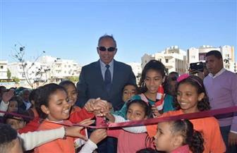 محافظ البحر الأحمر يفتتح مدرسة للتعليم الأساسي في مرسى علم | صور