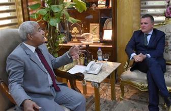 محافظ أسوان يستقبل السفير السويدي بالقاهرة   صور