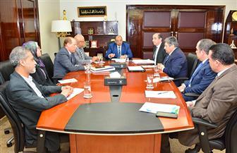 وزير التنمية المحلية يعقد اجتماعا مع قيادات الوزارة لمتابعة ملفات مهمة | صور