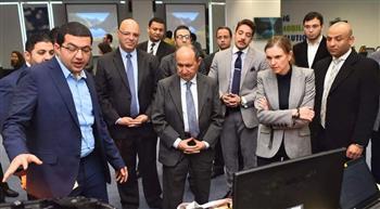 وزيرا التجارة بمصر وفرنسا يتفقدان مقر شركة للبرمجيات بالقرية الذكية