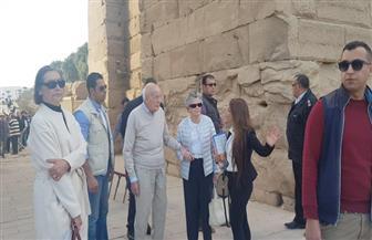 الرئيس الفرنسي السابق يزور معالم أسوان السياحية