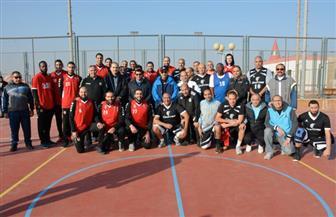 وزيرا الشباب والرياضة والطيران بين فريقي اليوم الرياضي الثالث بقطاع الطيران المدني | صور