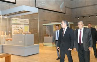 وزير الآثار يلتقي بالعاملين في المتحف القومي للحضارة | صور