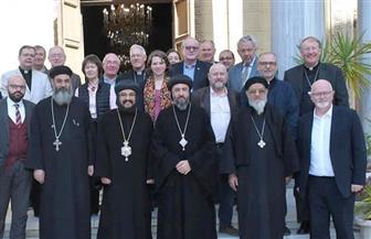 وفد كنسي بريطاني يزور الكنيسة المرقسية بالإسكندرية   صور