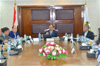 وزير التنمية المحلية يجتمع بمديري المحاجر بالمحافظات لتعظيم الاستفادة منها