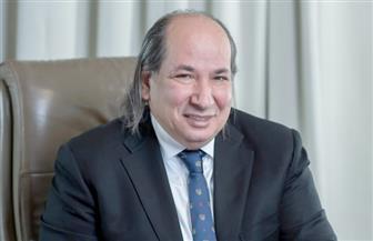 """رئيس اقتصادية """" الوفد"""" : قرار عودة مرسيدس لمصر يعزز فرص الاقتصاد المصري"""