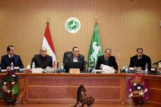 محافظ الشرقية يترأس اجتماع إدارة المناطق الصناعية