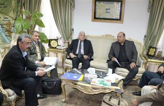 محافظ جنوب سيناء يعقد اجتماعا لمتابعة توصيل المرافق لفروع جامعة الملك سلمان| صور
