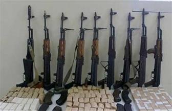أمن أسوان يضبط 8 عاطلين بحوزتهم أسلحة ومخدرات