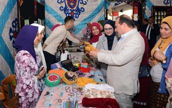 افتتاح معرض للمنتجات اليدوية لطلاب صيدلة طنطا| صور