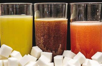 سنغافورة تتجه إلى حظر إعلانات المشروبات الغازية والعصائر