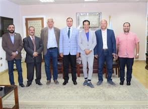 جامعة سوهاج تبحث سبل التعاون مع الجالية المصرية بهولندا في مجال جراحة القلب