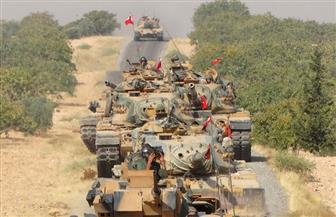 """قائد قوات سوريا الديموقراطية يتهم تركيا بمنع انسحاب مقاتليه ويلمح لـ""""مؤامرة"""" برعاية واشنطن"""