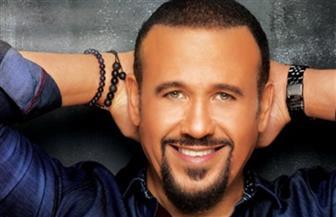 """هشام عباس """"ضيف أجمد 7 الساعة 7"""" على نجوم FM 100.6.. الأربعاء"""
