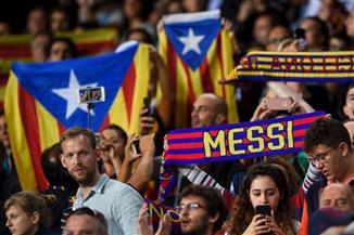 بيان من برشلونة وقلق قبل الكلاسيكو.. السياسة تلقي بظلالها على قمة الكرة الإسبانية
