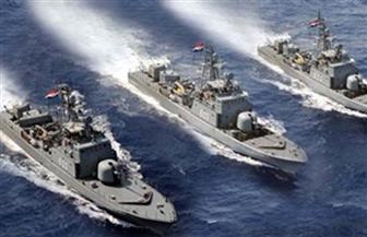 القوات البحرية تنجح في إنقاذ طاقم طائرة هليكوبتر سقطت في البحر المتوسط