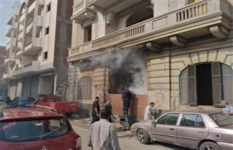 إخماد حريق في تجمع كبير للقمامة أمام مدرسة غياث التجريبية بطنطا | صور