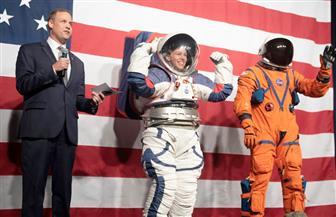 ناسا تجهز فريقا كاملا من النساء للسير في الفضاء وتكشف عن بدلتها الفضائية الجديدة|صور