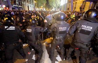 اشتباكات في برشلونة بين المحتجين الانفصاليين والشرطة الإسبانية| صور