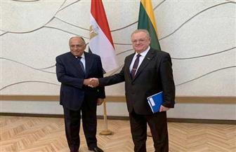 وزير الخارجية يلتقي مستشار الحكومة الليتوانية لبحث العلاقات الثنائية