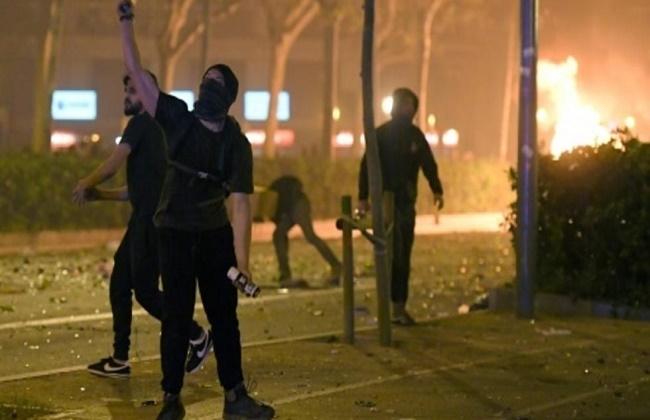 رئيس إقليم كاتالونيا يطالب بوقف فوري للمواجهات بين المحتجين والشرطة
