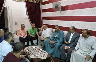 محافظ المنوفية يقدم واجب العزاء لأسر ضحايا حادث بحر سيف| صور