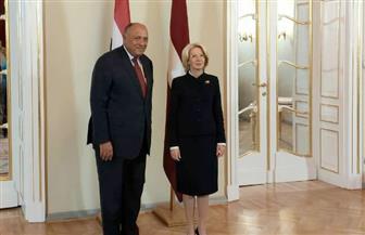 وزير الخارجية يلتقي رئيسة برلمان جمهورية لاتفيا| صور