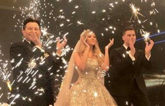 "عمرو دياب يحيي حفل زفاف ابن هاني شاكر.. ويفاجيء الحضور بـ""قدام مرايتها""| فيديو"