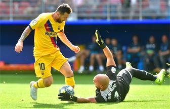 برشلونة يتصدر الدوري الإسباني مؤقتا بثلاثية في إيبار | صور