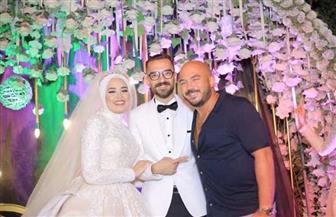 محمود العسيلي يحيي زفاف إحدي معجباته  صور