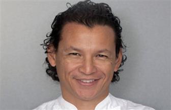 """الشيف العالمي """"بوبي تشين"""" يعرض تدريب هواة الطبخ فى مصر"""