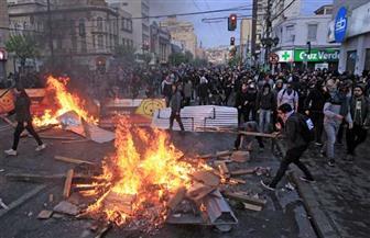 فرض حظر التجوال في تشيلي.. والرئيس يلغي زيادة أسعار المواصلات بعد اضطرابات