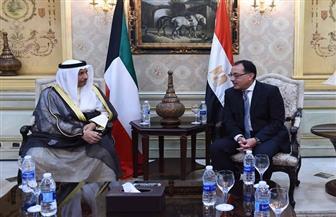 رئيس الوزراء يستقبل نظيره الكويتي بمطار القاهرة