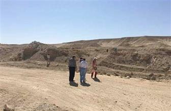 إدارة المياه الجوفية بالبحر الأحمر تتسلم مواقع الحماية من السيول والتنمية بمدينة القصير | صور