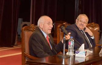 """فاروق الباز لطلاب جامعة القاهرة: """"متعدوش يوم من غير ما تتعلموا حاجة جديدة"""""""