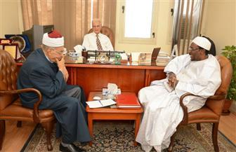 مستشار رئيس بوركينا فاسو للشئون الإسلامية يزور منظمة خريجي الأزهر