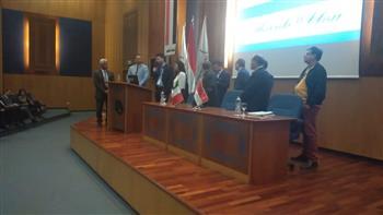 ميناء الإسكندرية يستقبل المشاركين بمنتدى الحوار المصري الإيطالي حول النقل البحري | صور