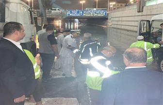 محافظة القاهرة تدفع بعدد كبير من سيارات شفط المياه إلى أماكن تجمعها | صور