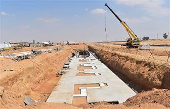 نقل خط مياه الشرب المتعارض مع محطة القطار الكهربائي بمدينة الشروق | صور