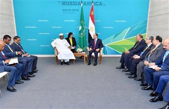 الرئيس السيسي يستقبل نظيره التشادي على هامش المنتدى الاقتصادى الروسي الإفريقي