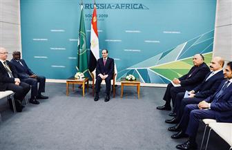 الرئيس السيسي يلتقي رئيس مفوضية الاتحاد الإفريقي بسوتشي