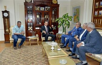 محافظ أسيوط يلتقي رئيس جامعة الأزهر لبحث دعم أعمال التطوير بالمحافظة | صور