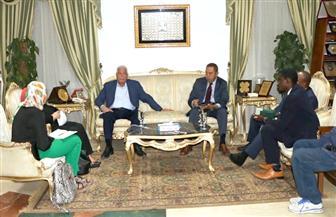 محافظ جنوب سيناء يستقبل وفد بنك التنمية لمناقشة انعقاد المؤتمر الاقتصادي الإفريقي بشرم الشيخ | صور