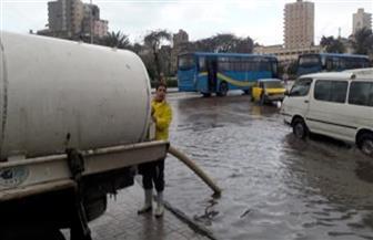 الأجهزة التنفيذية بالإسكندرية تزيل آثار موجة الطقس السيئ لليوم الثاني