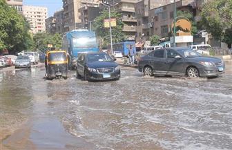 الأمطار تعيق حركة المرور في عدة مناطق بالجيزة