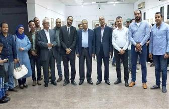 رئيس جامعة الأقصر يفتتح معرضا تشكيليا بعنوان «التعويذة»